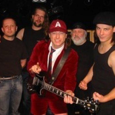 High Voltage (AC/DC Tribute Band)-boeken