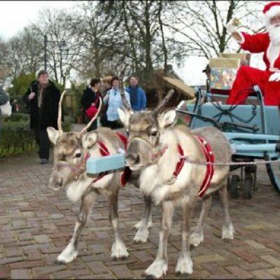 Kerstman Met Arrenslee En Rendieren-boeken