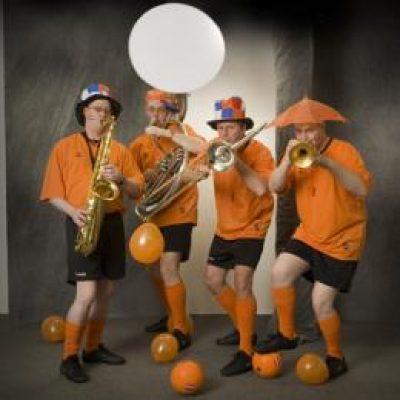 Swinging Dixieband Oranje Supporters-boeken